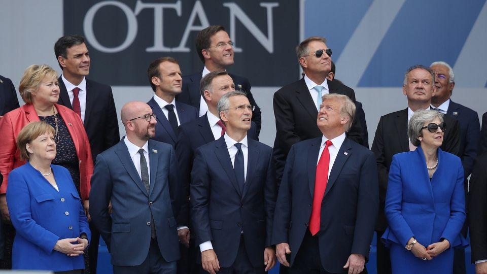 Para el otro lado. Una imagen que simboliza la relación de Trump con sus aliados occidentales.