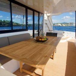 En el interior nos encontramos con una embarcación que asegura comodidad y las mejores prestaciones.