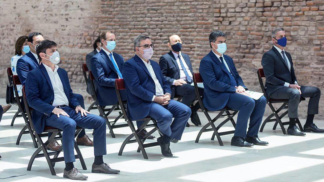 Peronistas. Los gobernadores estuvieron ayer en la Rosada y luego almorzaron en la Quinta presidencial.