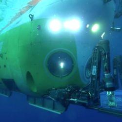 El Fendouzhe logró descender hasta los 10.909 metros y solo le faltaron 18 metros más para convertirse en la misión tripulación que más lejos ha llegado.