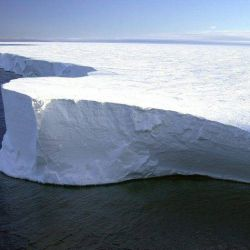 Desde que se desprendió en 2017, se convirtió en una amenaza para la Naturaleza. i{o El iceb