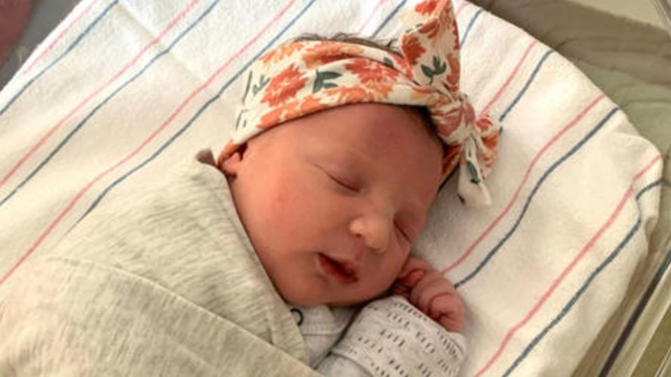 Molly Everette Gibson, bebé nacida de un embrión de 28 años
