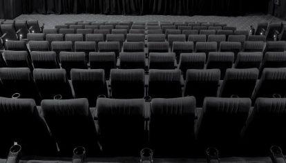 CINES VACÍOS. La situación de los cines es tan crítica que hasta el histórico cine Gran Rex evalúa su cierre.