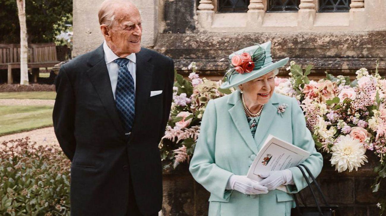 Lareina Isabel II de Gran Bretaña y su esposo Felipe, duque de Edimburgo.