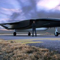 Esta llamativa aeronave mide 25 metros de largo, 18 de ancho y pesa alrededor de 25 toneladas.