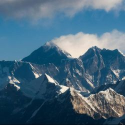La nueva altura del Everest es de 8.846,86 metros.