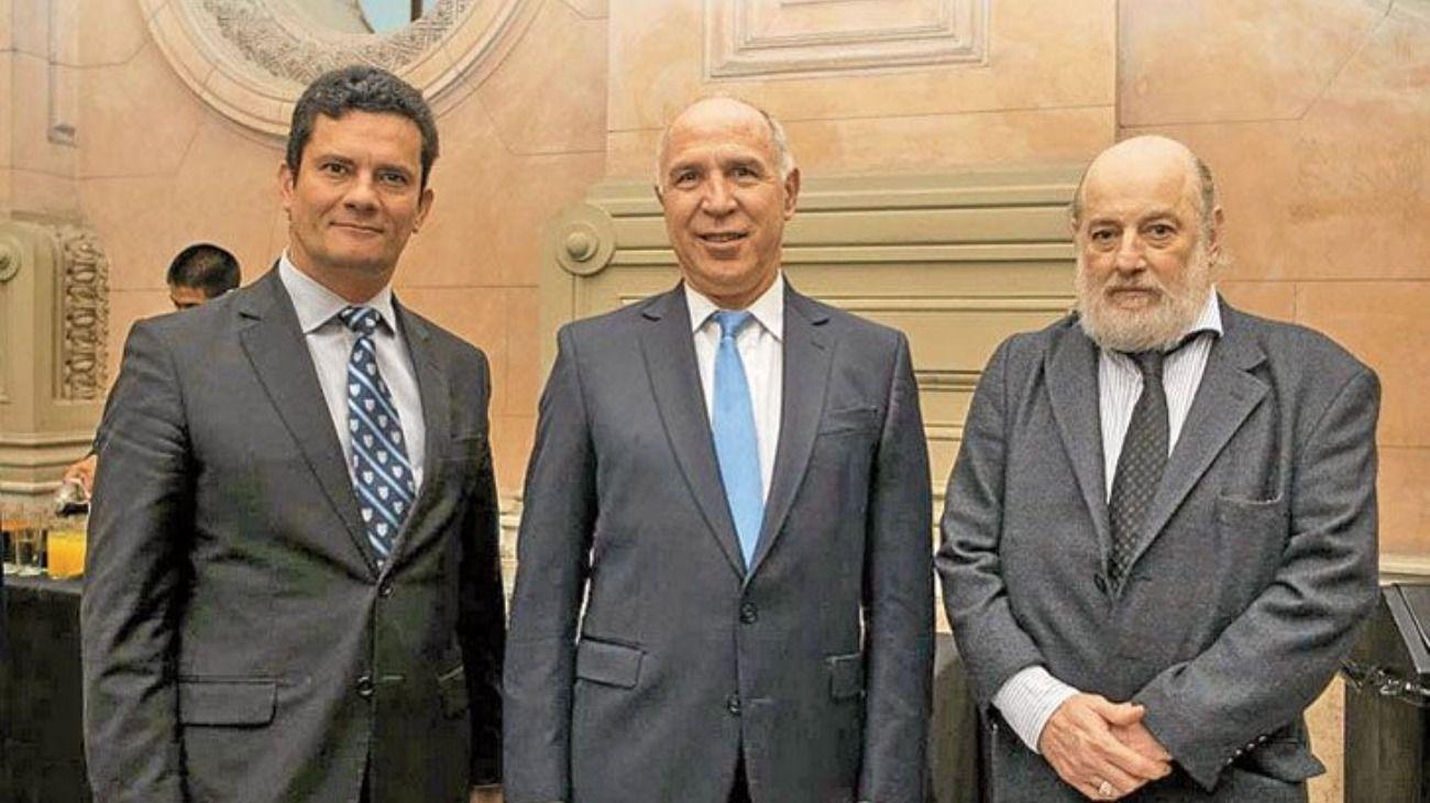 La foto de Sergio Moro y Claudio Bonadio con Ricardo Lorenzetti.