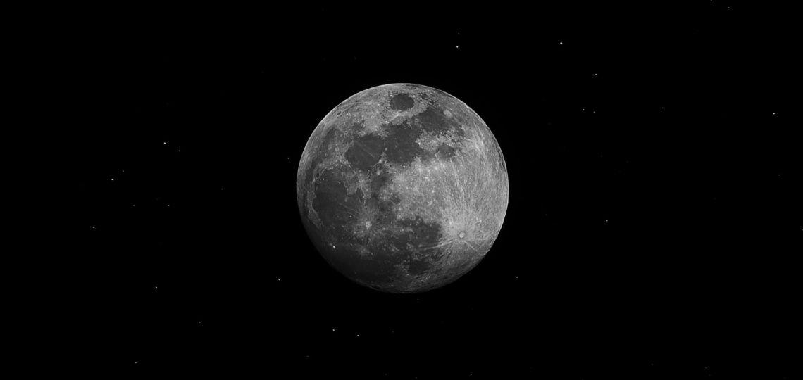 Luna de hoy en Escorpio, la más pasional: así afecta a tu signo el 10 de diciembre