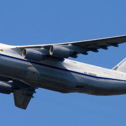 El objetivo de unir los polos en un solo viaje era demostrar la velocidad y capacidad de carga del An-124 Ruslan.