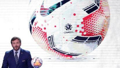 ¿Le darán pelota? Alejandro Domínguez, presidente de la Conmebol, quiere una final de Copa Sudamericana con público en el Kempes.
