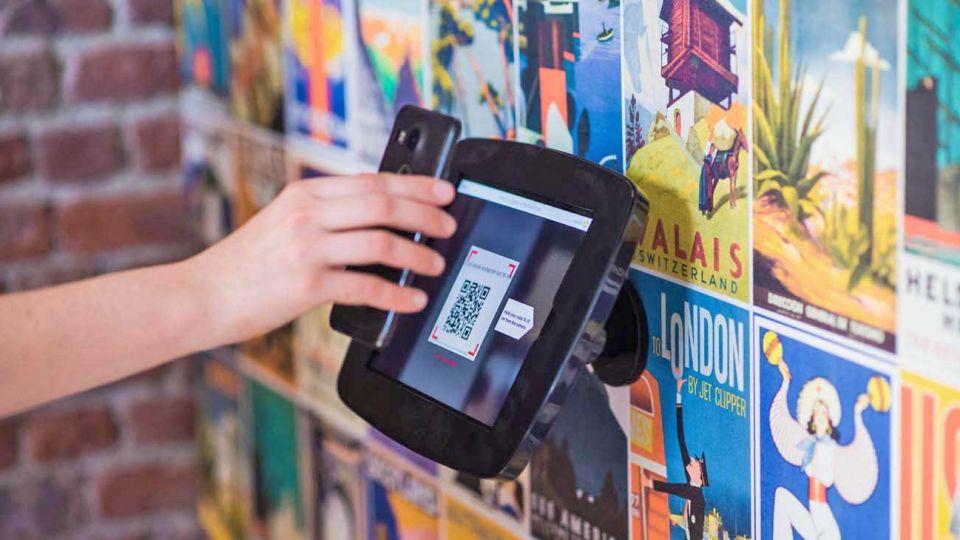 Código QR. Los pagos desde el celular aceleran la inclusión financiera de los sectores informales.