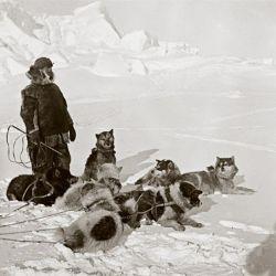 En 1897, con 25 años, hizo su primera excursión a la Antártida donde permaneció un invierno completo.