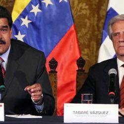Maduro y Tabaré en reunión de la Unasur.  | Foto:Cedoc