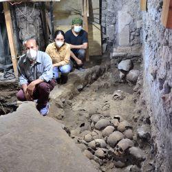 La nueva pared descubierta está compuesta por cráneos de hombres, mujeres y de, al menos, tres niños.