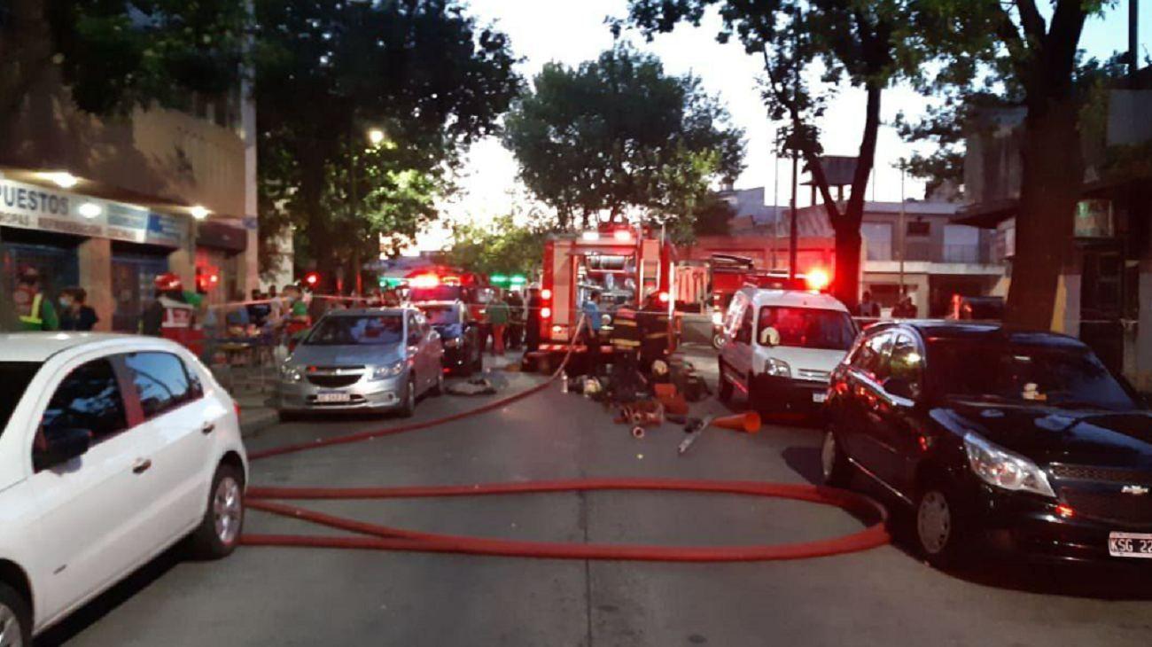 Incendio y rescate en Nueva Pompeya.