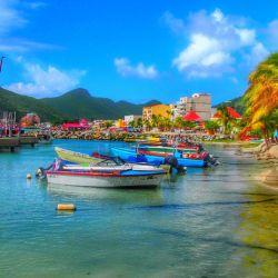 La paradisíaca isla de St Marteen ya recibe turistas de todo el mundo, incluyendo los de países considerados de riesgo.