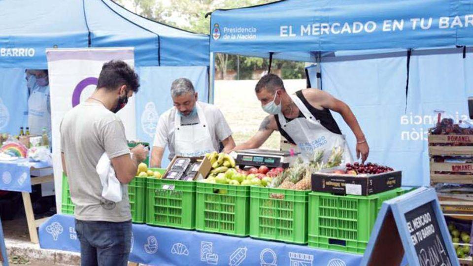 """La Unión de Trabajadores de la Tierra hará """"feriazos"""" para asegurar la provisión de comida en la mesa navideña"""""""