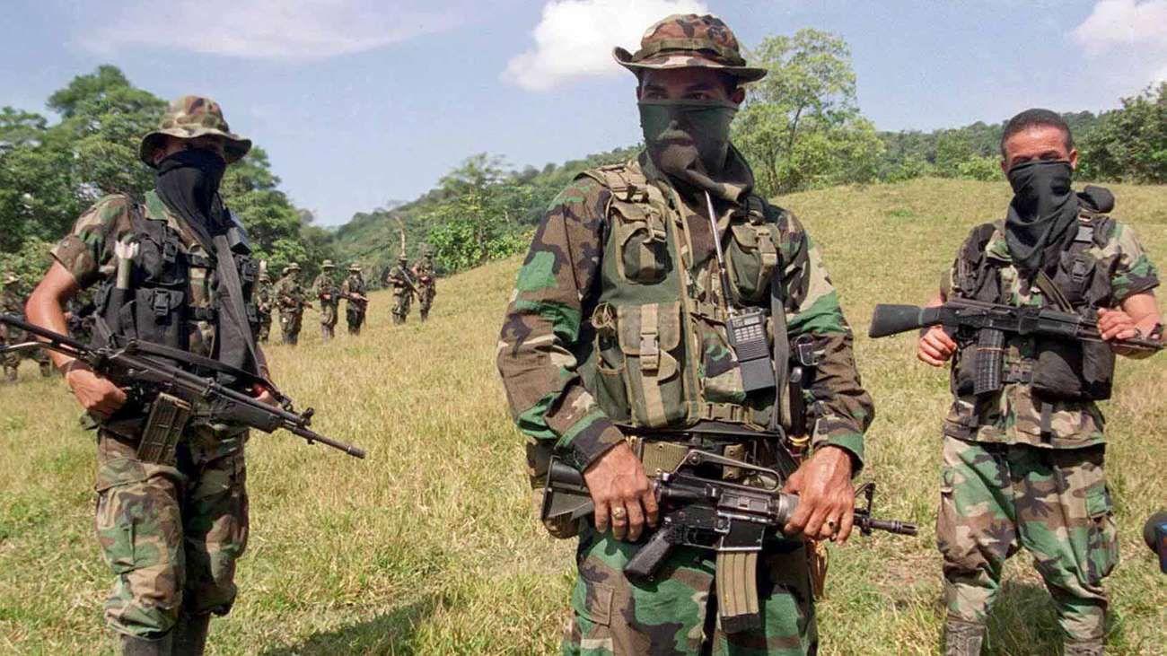 A cuatro años de los acuerdos con las FARC, aún hay unos treinta grupos armados activos en el país.