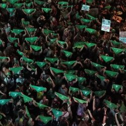 Miles de mujeres en la vigilia de Diputados donde el proyecto obtuvo media sanción
