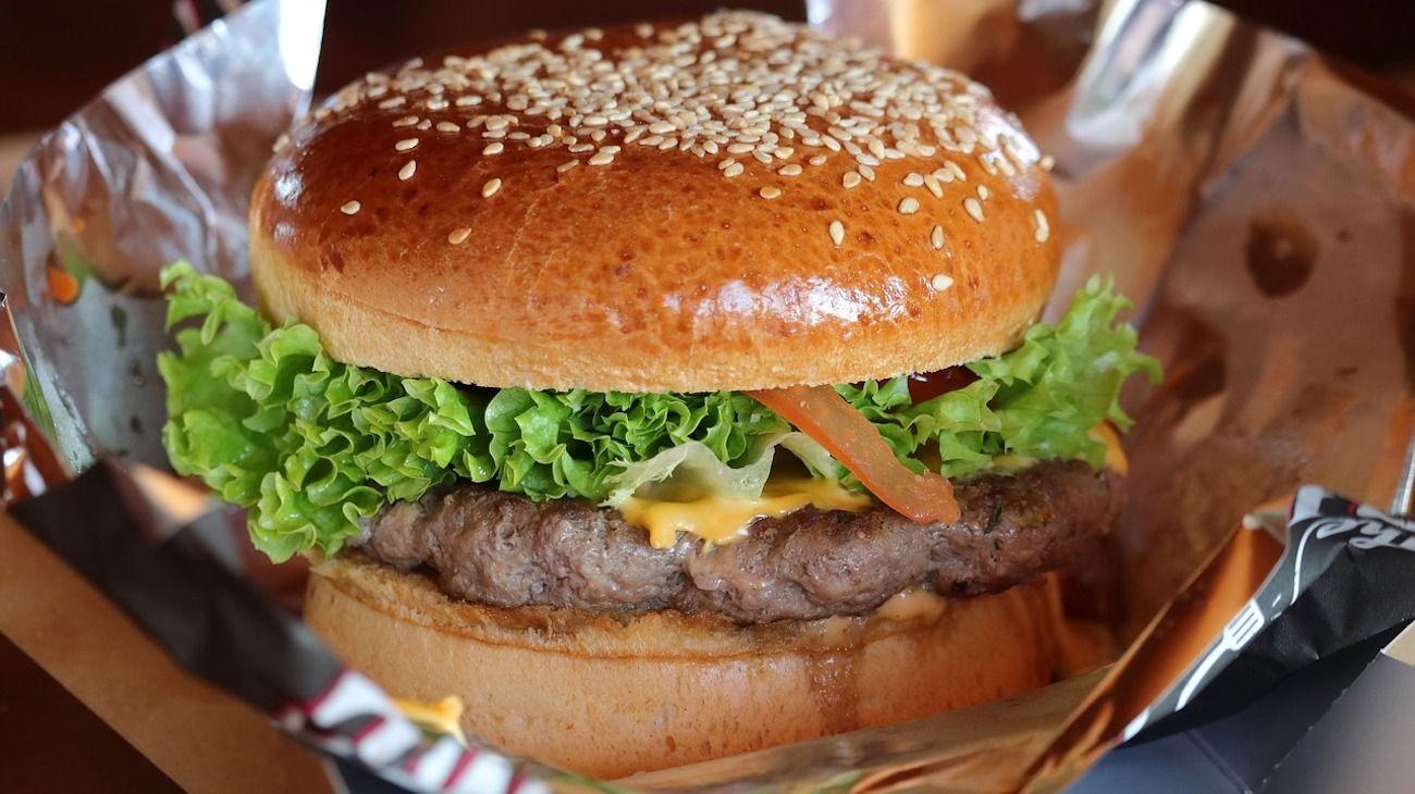 Las hamburguesas de carne de grillo tendrán una textura similar a las tradicionales de carne vacuna.