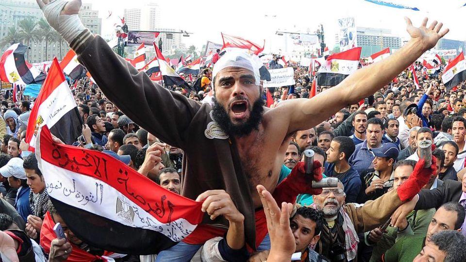 En Egipto la revuelta derrocó a un dictador, Hosni Mubarak, pero abrió paso a otro.