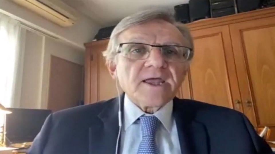 Eduardo López, infectólogo