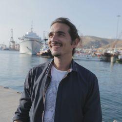 Arapakis forma parte de la quinta generación de pescadores de su familia.