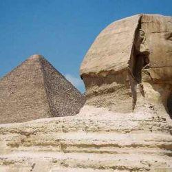 La Gran Pirámide de Guiza es una de las Siete Maravillas del Mundo Antiguo.