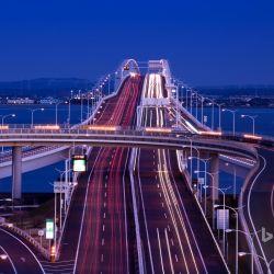 Uno de los principales motivos para su construcción fue descongestionar el por demás alocado tráfico de la capital japonesa.