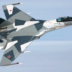 """""""Con una velocidad máxima de unos 2.500 km/h y una altura máxima de 18.000 metros, es un avión bien armado y veloz"""", agrega Peter."""