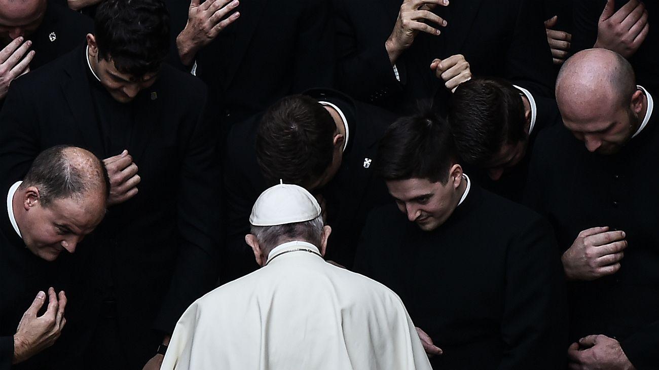 El Papa Francisco defiende las fuentes laborales del Vaticano.