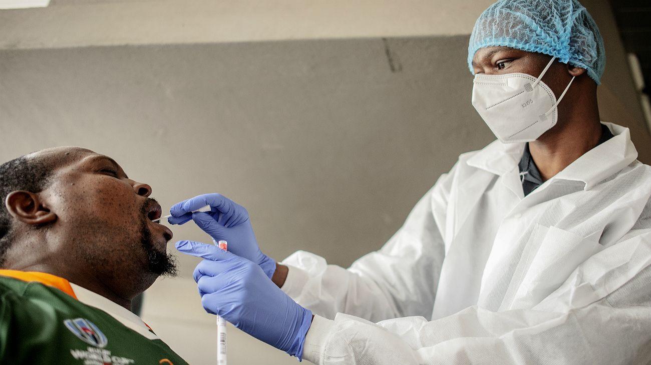 Nueva cepa de coronavirus descubierta en Sudáfrica.