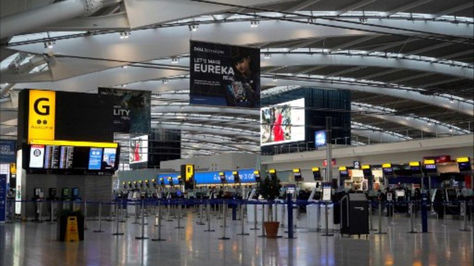 El turismo británico sufre otro duro golpe por la nueva cepa del coronavirus