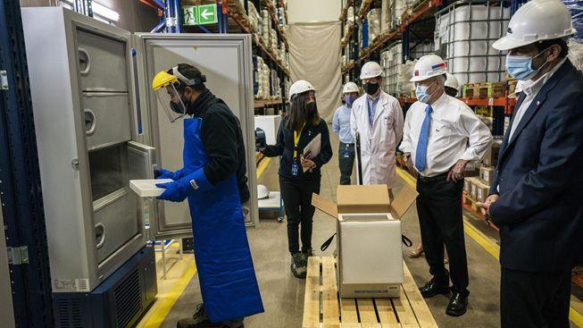 Piñera visitó el centro de almacenamiento y distribución donde llegarán las primeras vacunas contra el Covid-19: