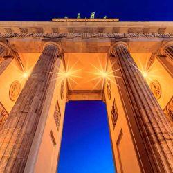 La gigantesca construcción mide 26 metros de alto, 11 metros de largo y 65 metros de ancho.