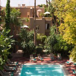 La Medina está llena de edificaciones impresionantes, palacios, murallas almenadas y numerosas plazas y jardines.