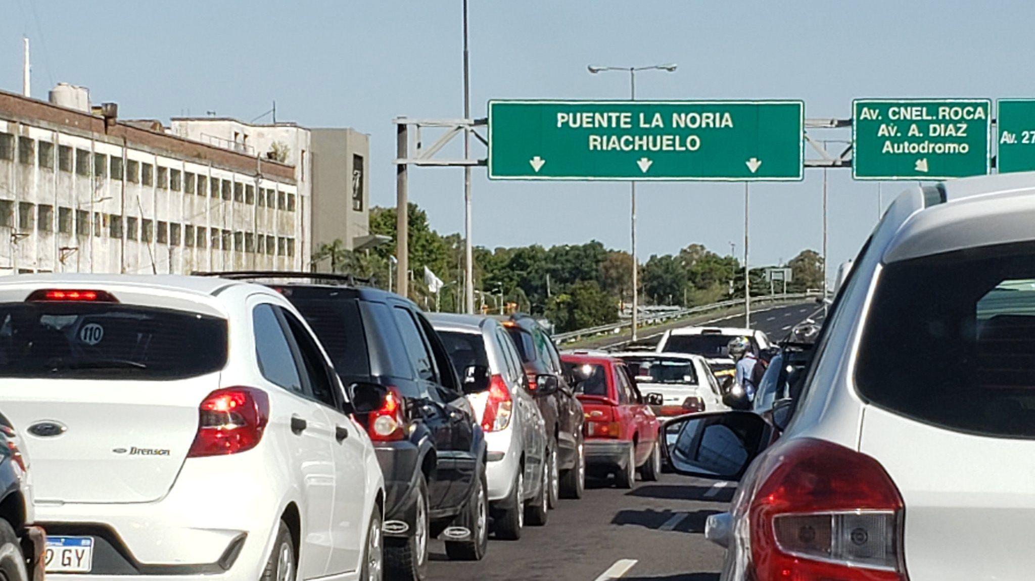 Corte en el Puente La Noria por manifestación