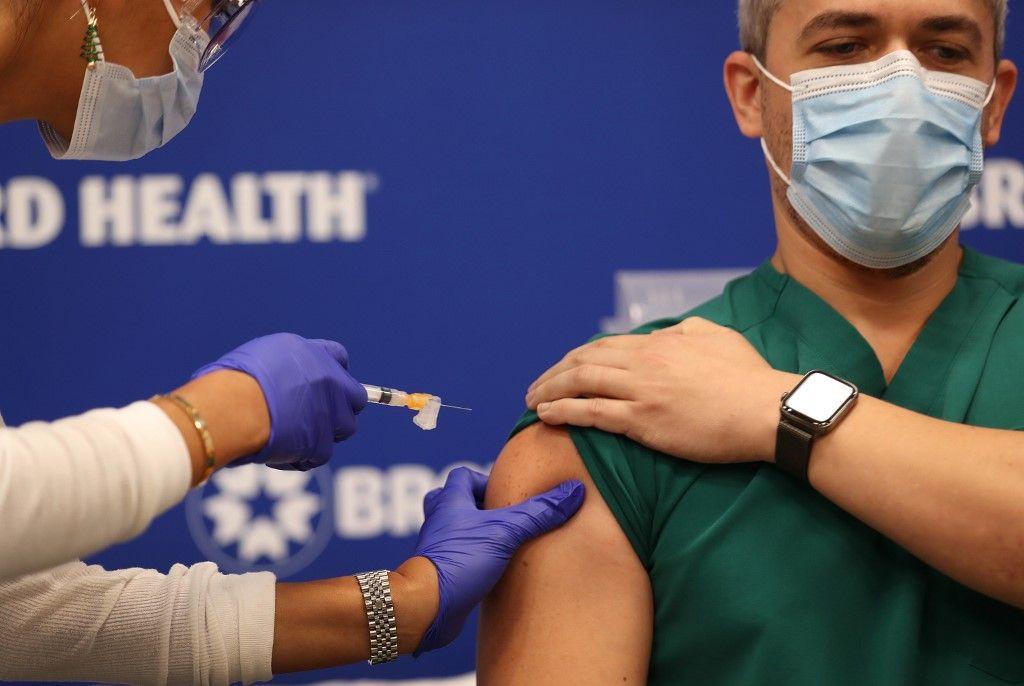 Anthony Fauci dijo que el país podría alcanzar un nivel del 70-85% de inmunidad para el próximo verano.