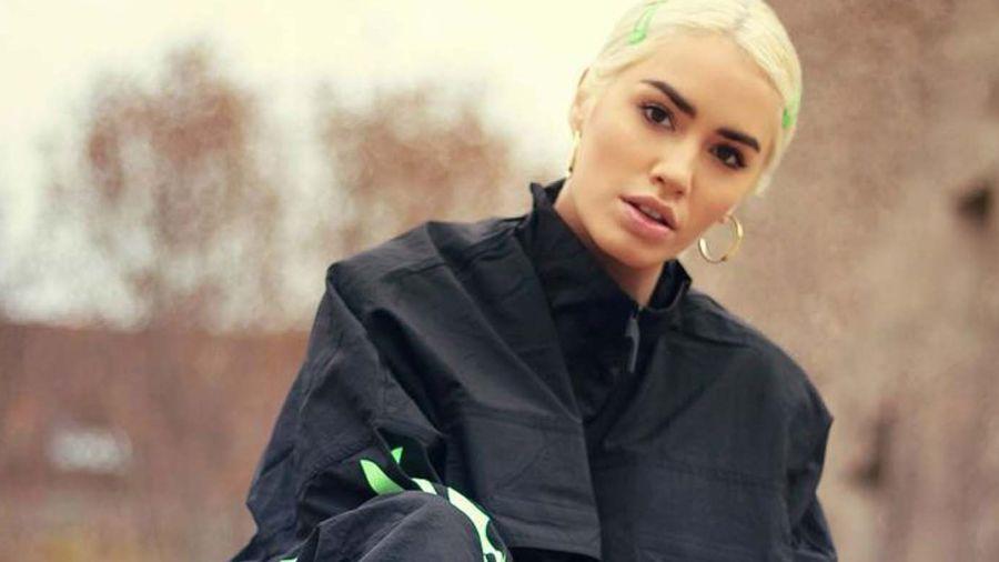 Lali posando para Puma, la nueva marca que sumó a la lista de empresas que la quieren para ser su imagen