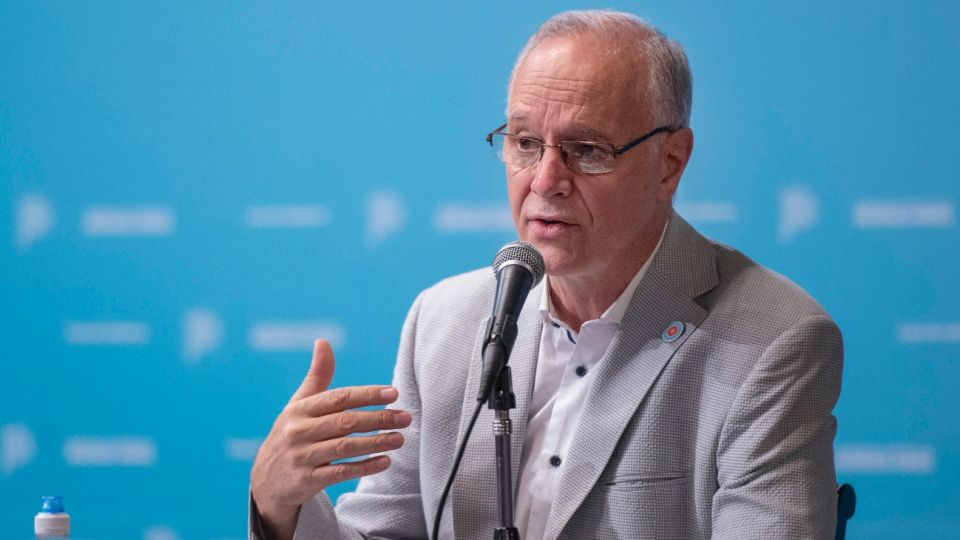 El ministro de Salud bonaerense, Daniel Gollán, dijo que la vacuna rusa  será voluntaria y con consentimiento.