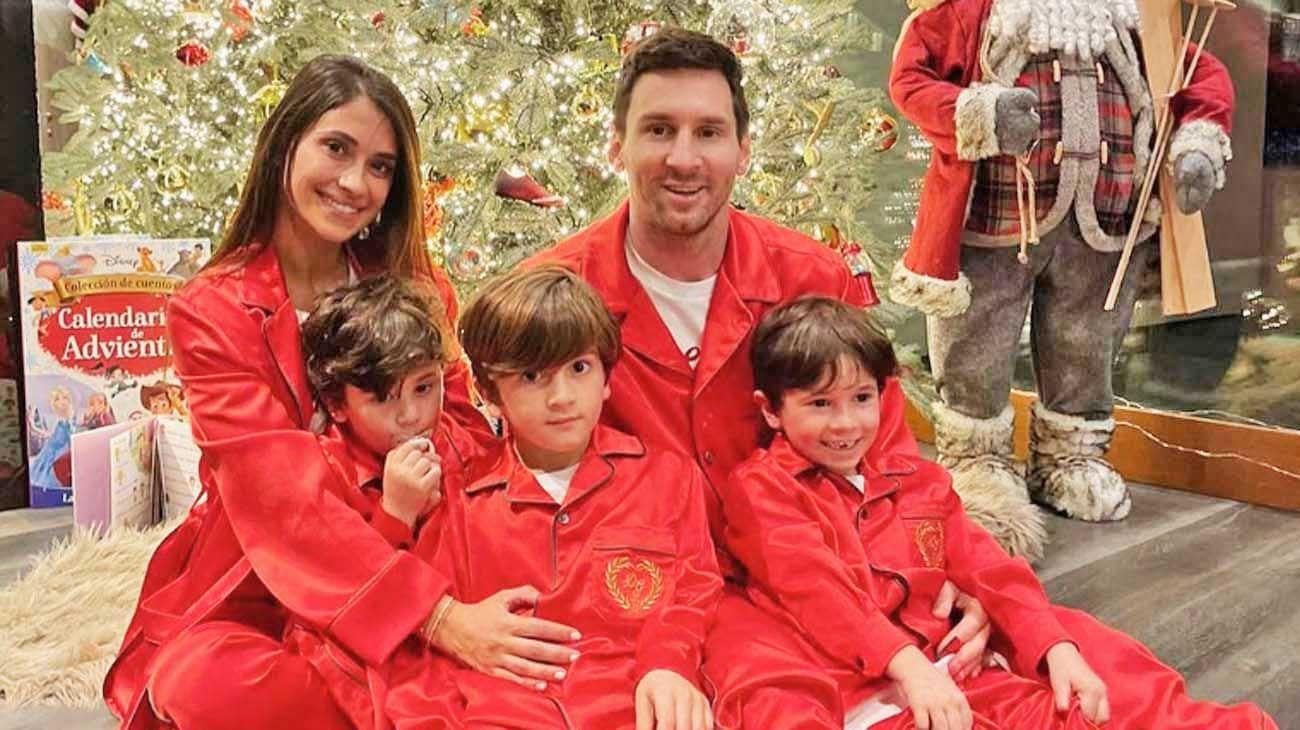Fiestas. Leo, Antonella, Thiago, Mateo y Ciro en el saludo navideño.