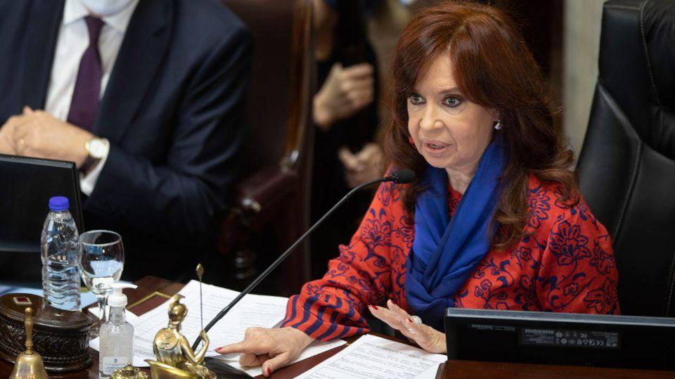 Presidente de Argentina anuncia querella judicial por toma de crédito al FMI