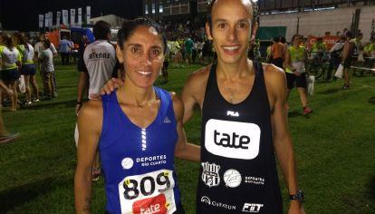 Campeones. Rosa Godoy y Brian Burgos son los atletas profesionales que participarán de la carrera junto a los trabajadores esenciales.