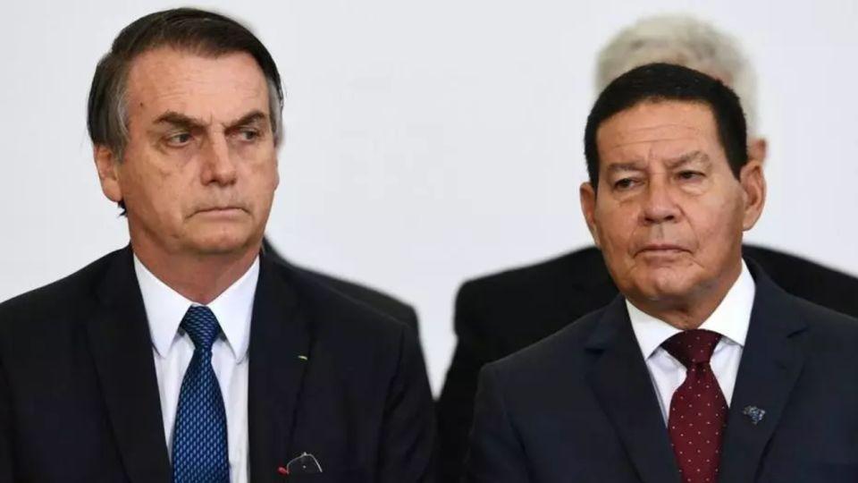 El vicepresidente de Brasil, Hamilton Mourao, junto al presidente Jair Bolsonaro.