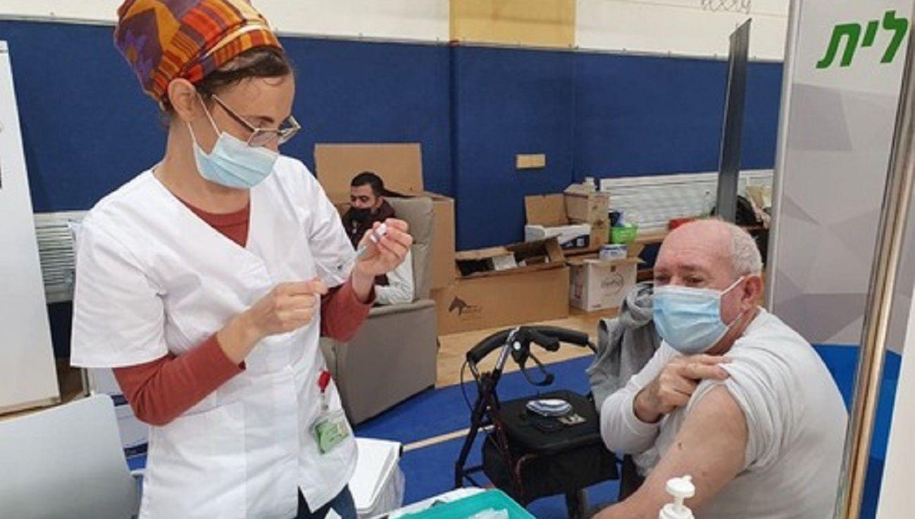 Un hom bre de 75 años murió dos horas después de recibir la vacuna contra el coronavirus