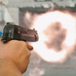 Toda la potencia puesta de manifiesto en el fogonazo, producto de la deflagración de la pólvora del .50 Action Express.