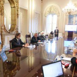 Reunión de Alberto Fernández con expertos infectólogos.