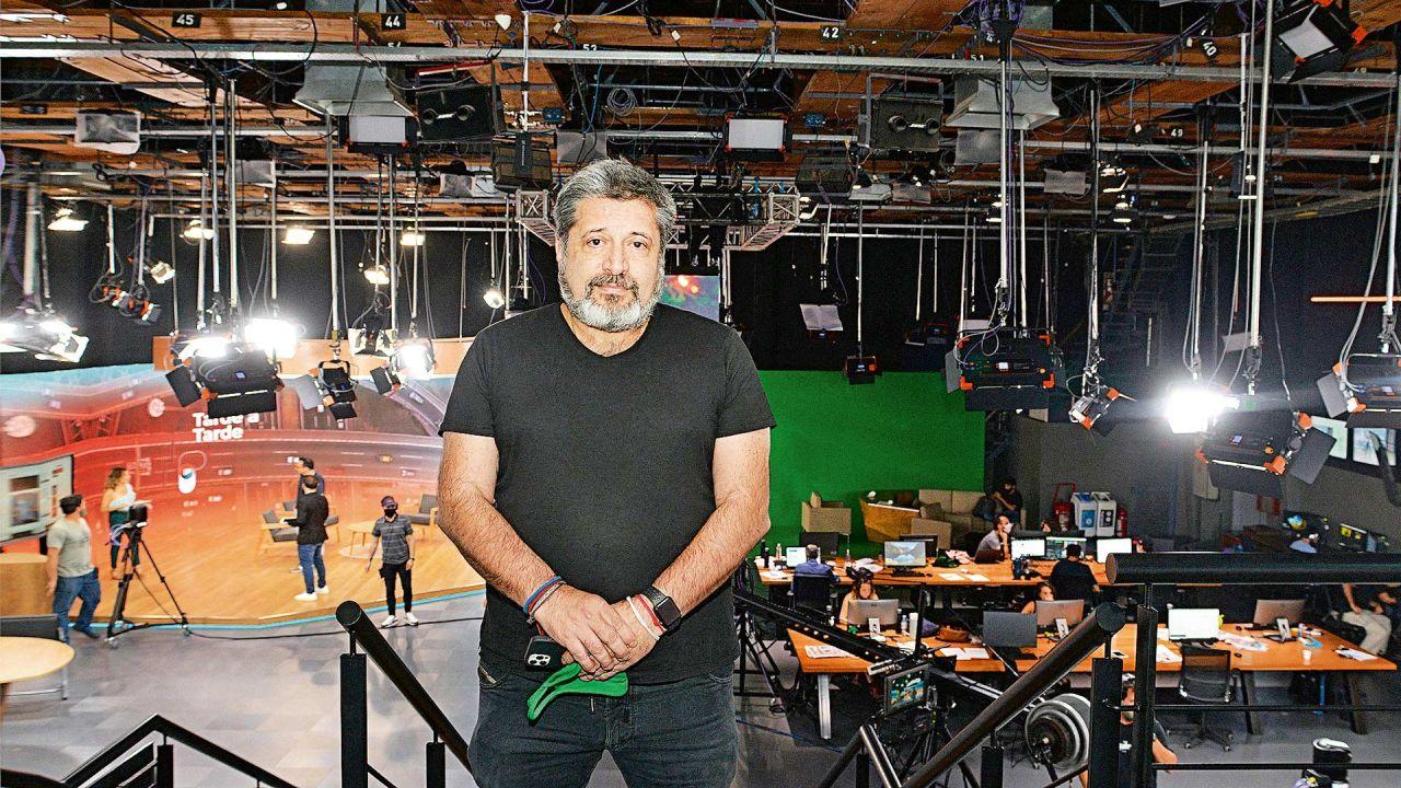 Santa María en los estudios del canal de noticias IP.   Foto:Pablo Cuarterolo.