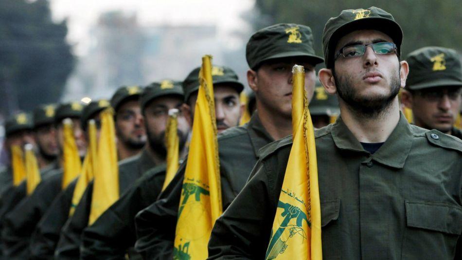 Tropas y armamento de Hezbollah, en el sur de Beirut.