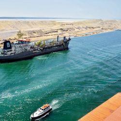 Cerca de 20.000 barcos atraviesan sus aguas cada año, con cargas entre 300 y 400 millones de toneladas.